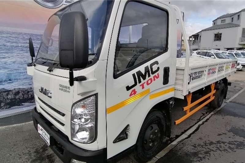 JMC 4x2 Carrying Plus 4 Ton LWB Dropside S/C LUX 2020