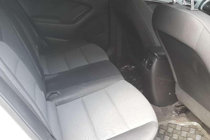 Kia Cerato hatch 1.6 EX 2013