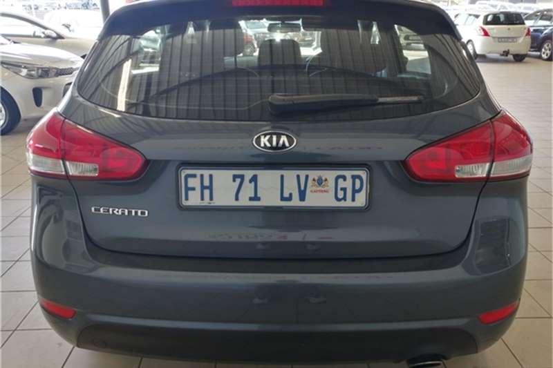 Kia Cerato hatch 1.6 EX 2016