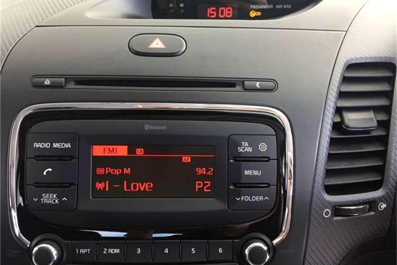 Kia Cerato hatch 1.6 EX 2017