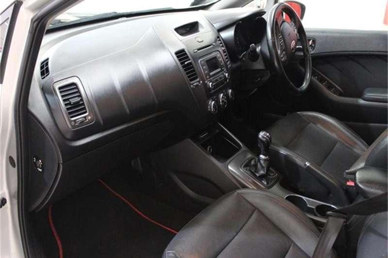 Kia Cerato hatch 2.0 EX 2014