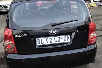Kia Picanto 1.1 Striker 2012