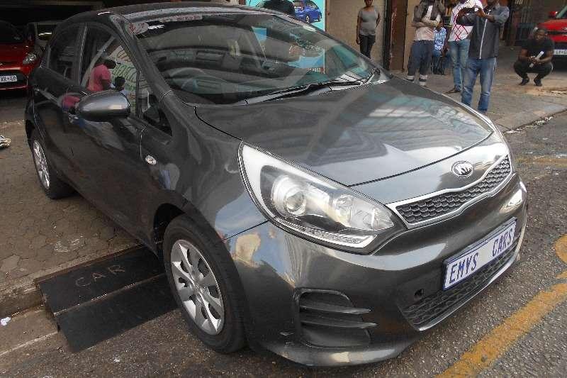 Kia Rio hatch 1.4 EX 2016