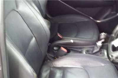 Kia Rio hatch 1.4 Tec 2013