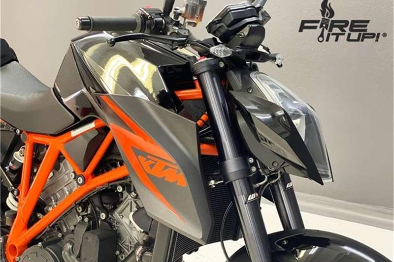 KTM Superduke 1290 R 2015
