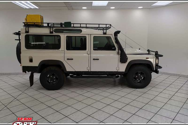 Land Rover Defender 110 Puma SW 2010