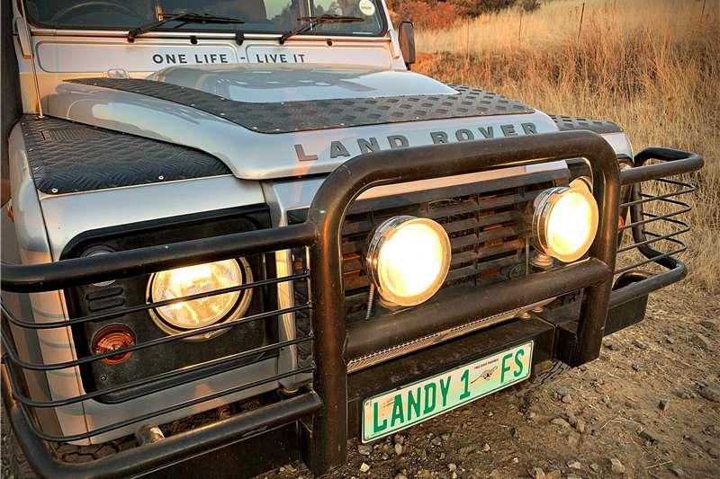 Land Rover Defender Station Wagon DEFENDER 110 SW LE (BLACK / SILVER EDITION) 2014