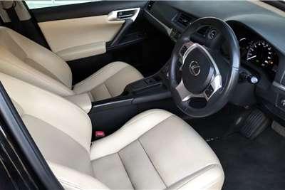 Lexus CT 200h S 2012