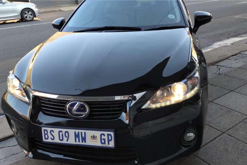 2012 Lexus CT 200h S