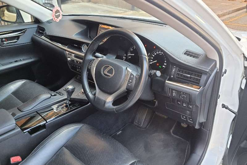 Lexus ES 250 EX 2015