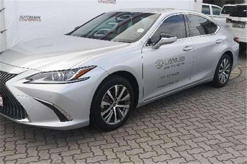 Lexus ES 250 EX 2019
