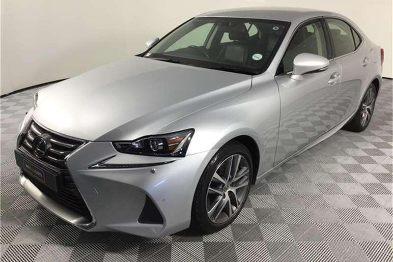Lexus IS 200t EX 2018