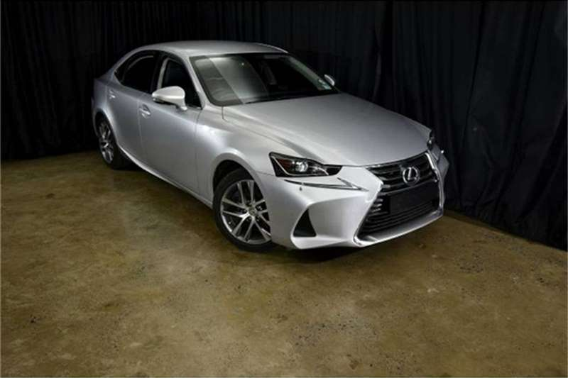 Lexus IS 200t EX 2019