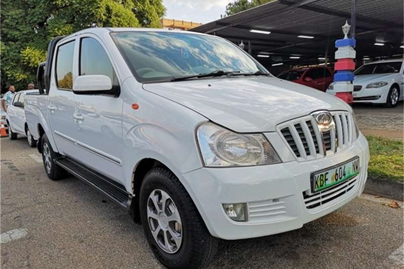 2011 Mahindra Genio 2.2CRDe double cab