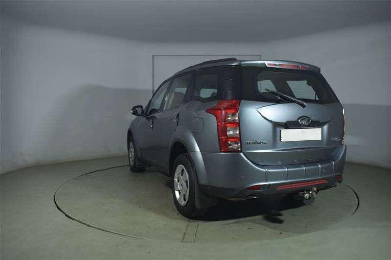 Mahindra XUV500 2.2D MHAWK W6 7 SEAT 2013