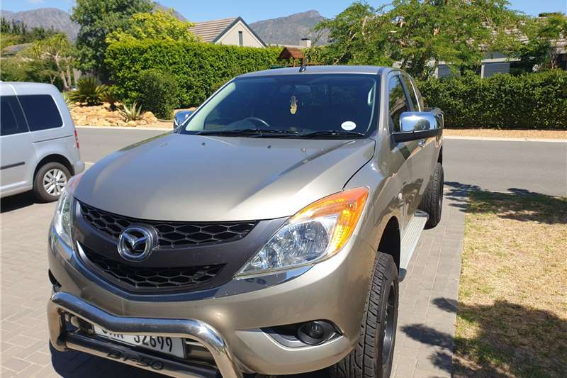 Mazda BT-50 3.2 FreeStyle Cab 4x4 SLE 2015