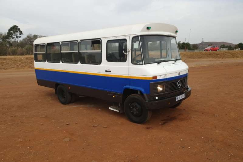 Mercedes Benz 180B bus 1985