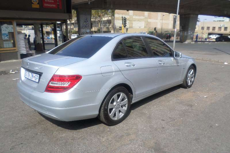 Mercedes Benz 180C Automatic 2011