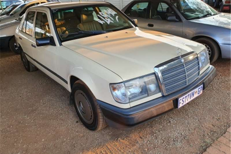 Mercedes Benz 200E W124 1979