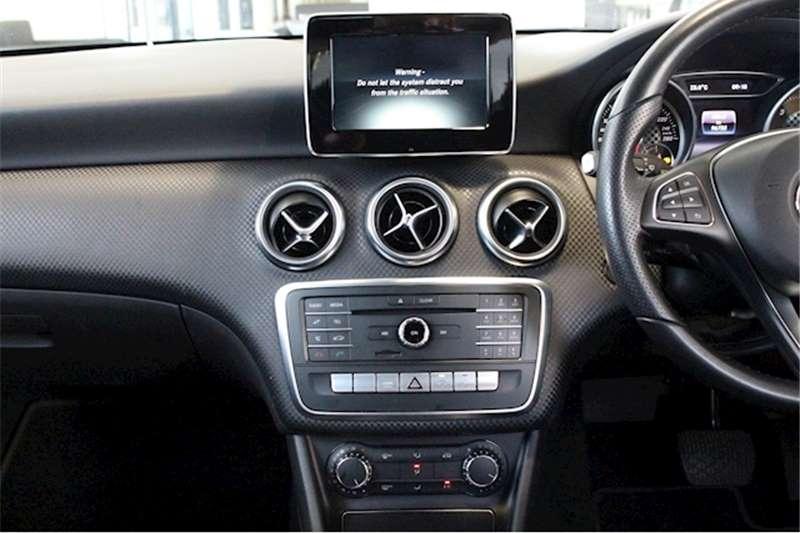 Mercedes Benz 220D URBAN A/T 2016