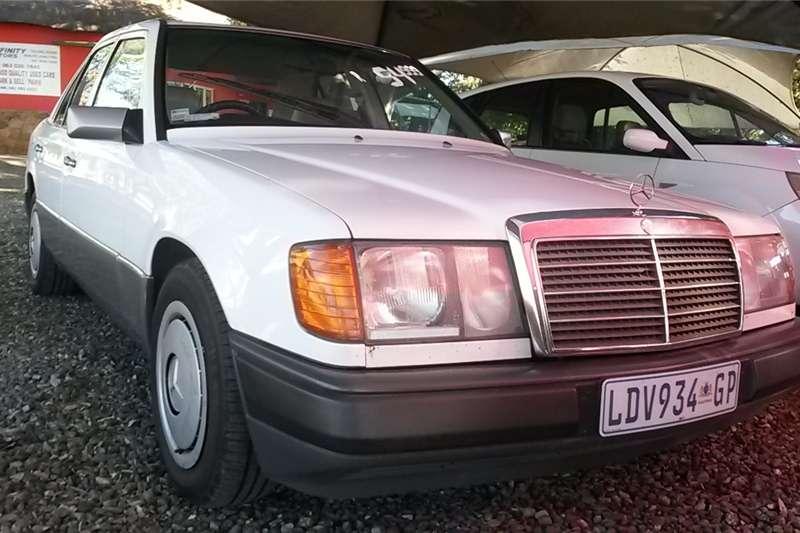 Mercedes Benz 220S 1993