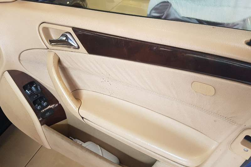 Mercedes Benz 220S 2003