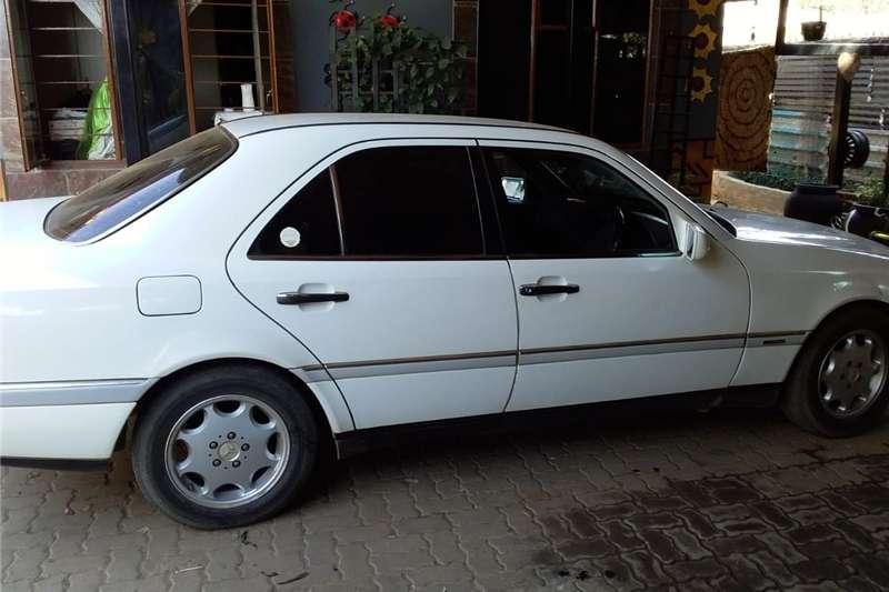Mercedes Benz 220SE 1997