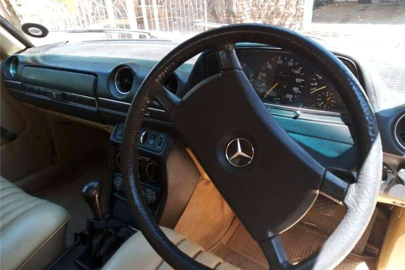 Mercedes Benz 230E 1984