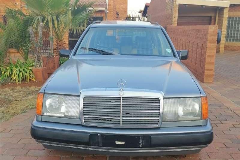 Mercedes Benz 230TE 1988