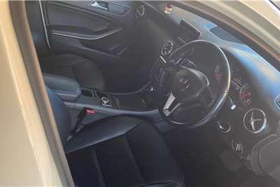 Mercedes Benz A-Class Hatch A 200 A/T 2015
