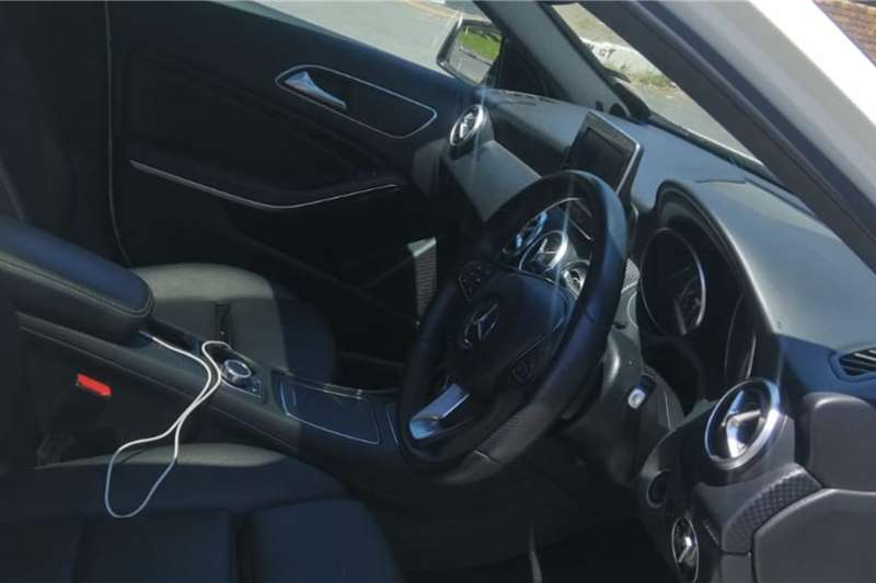 Mercedes Benz A-Class Hatch A 200d A/T 2016