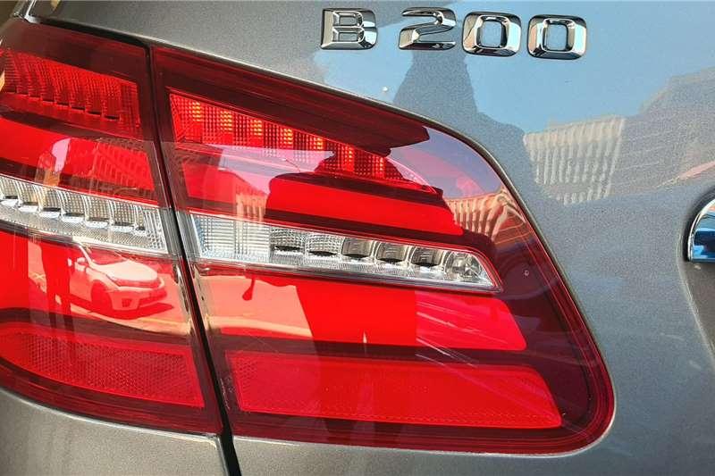 Mercedes Benz B-Class B200 A/T (W247) 2015