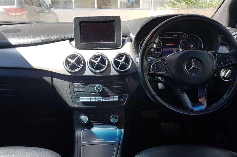 Mercedes Benz B Class B200 auto 2015