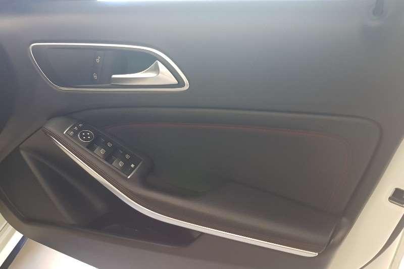 Mercedes Benz Benz 2016