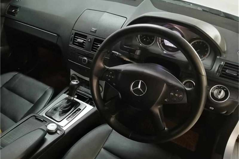Mercedes Benz C Class C180 Classic auto 2011