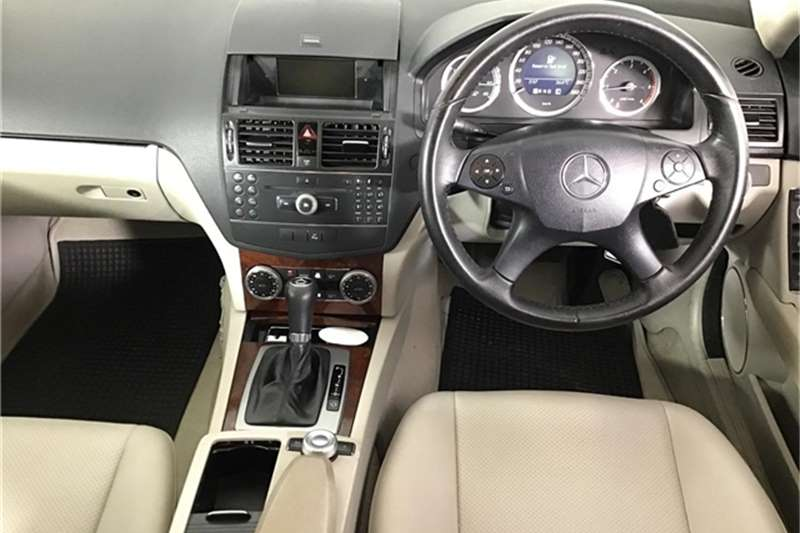 Mercedes Benz C Class C220CDI estate Classic Touchshift 2009