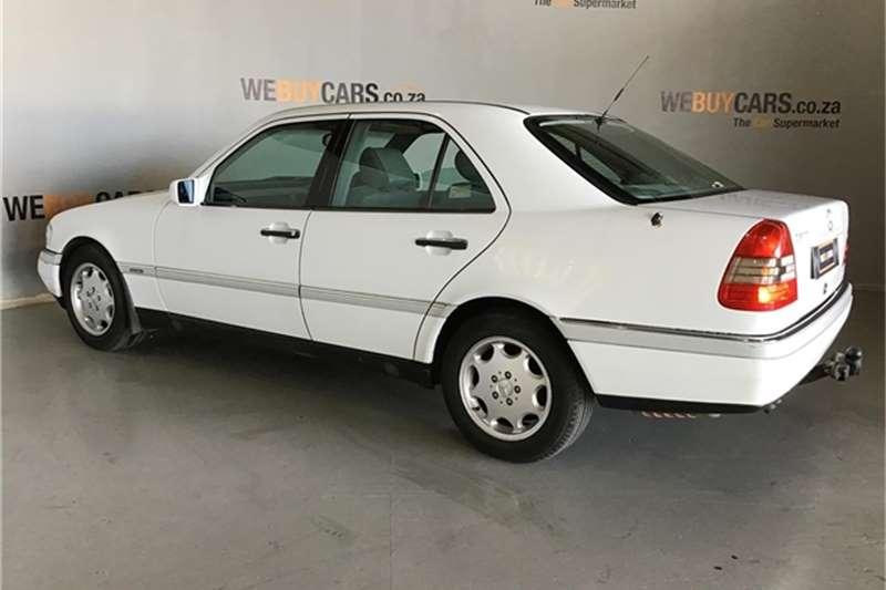 Mercedes Benz C-Class sedan 1995