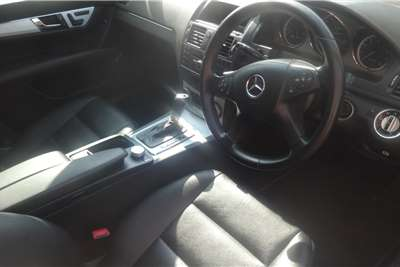 Mercedes Benz C-Class Sedan C180 CGL 2011