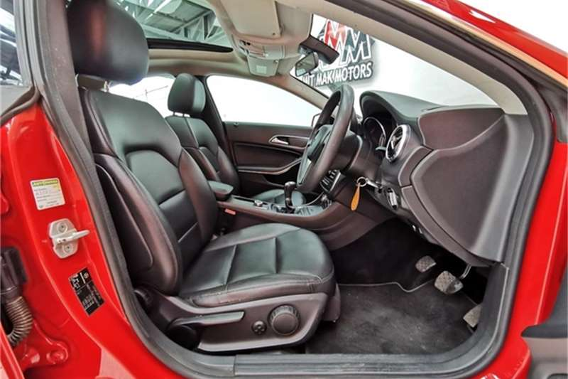 Mercedes Benz CLA 180 2013