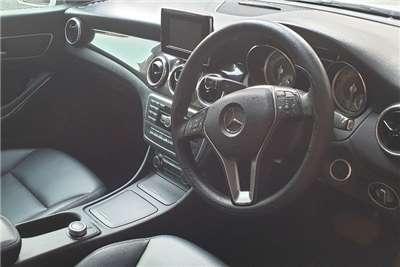Mercedes Benz CLA 180 auto 2015