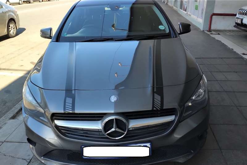 Mercedes Benz CLA 200 A/T 2014