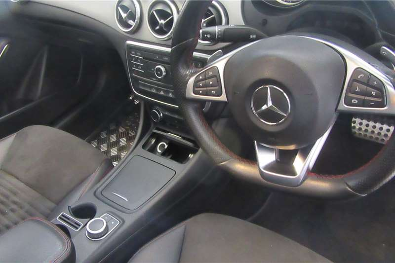Mercedes Benz CLA 200 AMG 2015