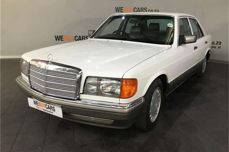 Mercedes Benz E-Class Sedan 1991