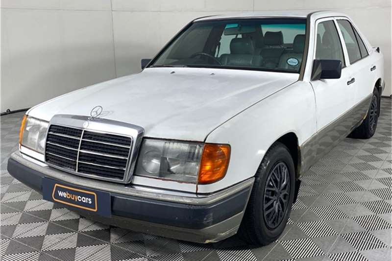 1991 Mercedes Benz E-Class sedan