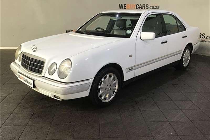 Mercedes Benz E-Class Sedan 1997