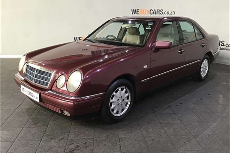 Mercedes Benz E-Class Sedan 1997