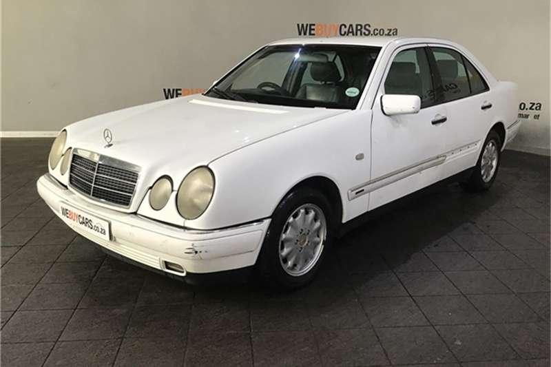 Mercedes Benz E-Class Sedan 1998