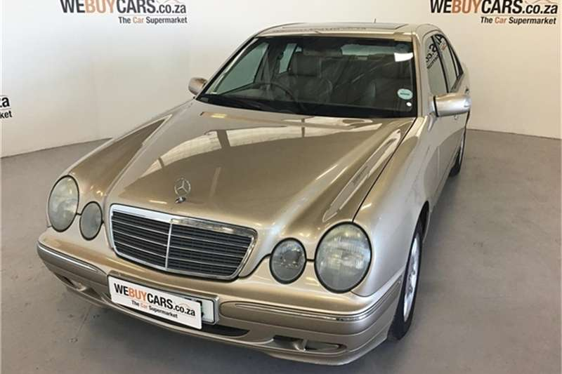 Mercedes Benz E-Class Sedan 2000