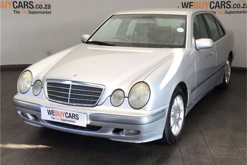 Mercedes Benz E-Class Sedan 2001