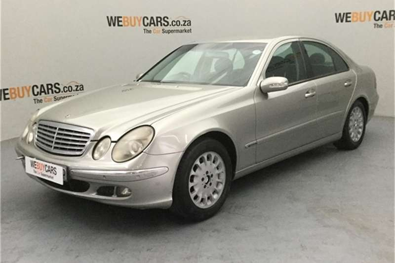 Mercedes Benz E-Class sedan 2005